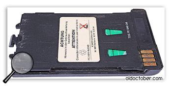 Аккумуляторная батарея первых сотовых телефонов.