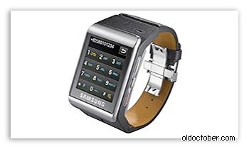Мобильный телефон Samsung в корпусе наручных часов.