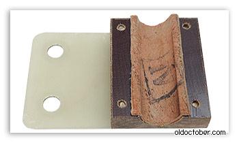 Кожаная прокладка механизма фиксации «журавля» в горизонтальной плоскости.
