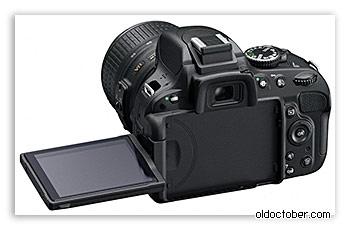 Камера Nikon D5100 с вращающимся экраном.