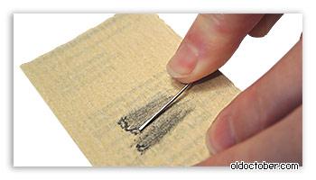 Изготовление отмычки для демонтажа трекбола Blackberry из канцелярской скрепки.