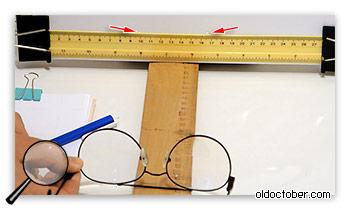 Измерение расстояния между оптическим осями очковых линз.