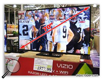 Телевизор на 70 дюймов по диагонали.